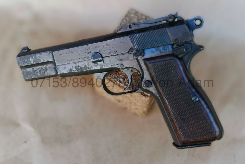 FABRIQUE NATIONAL WKII FN High Power - M.1935 mit Nut f. Anschlagschaft,    Schiebevisier