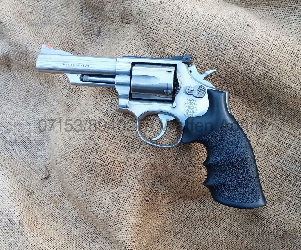 Smith & Wesson  4 Zoll Modell 66