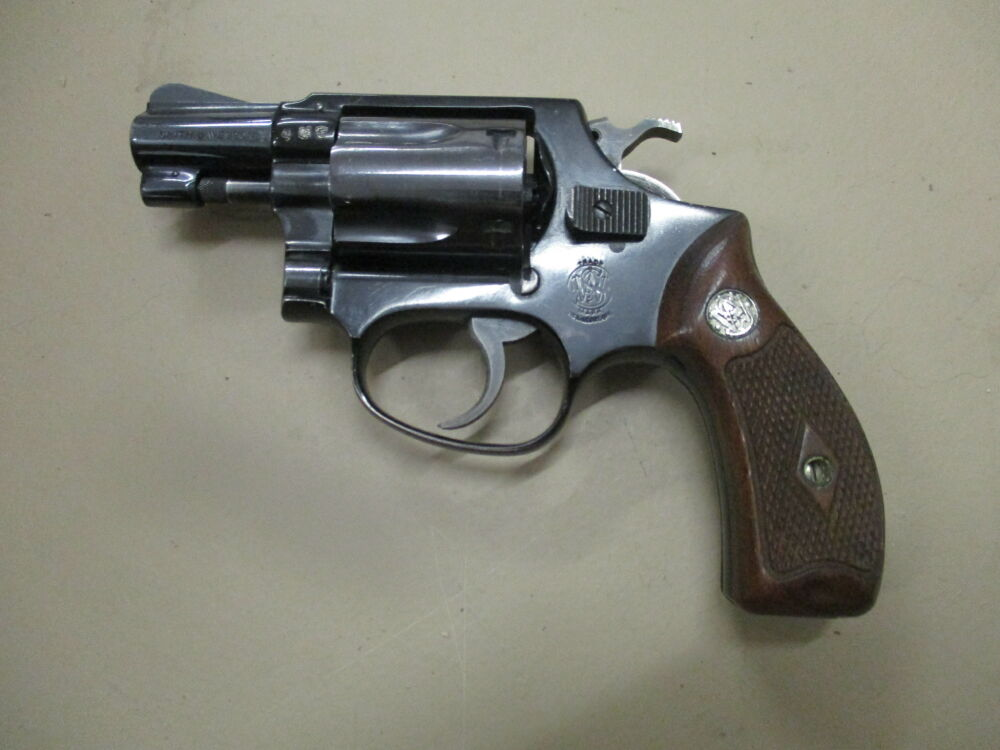 Revolver Smith & Wesson Modell 37 2 Zoll 37