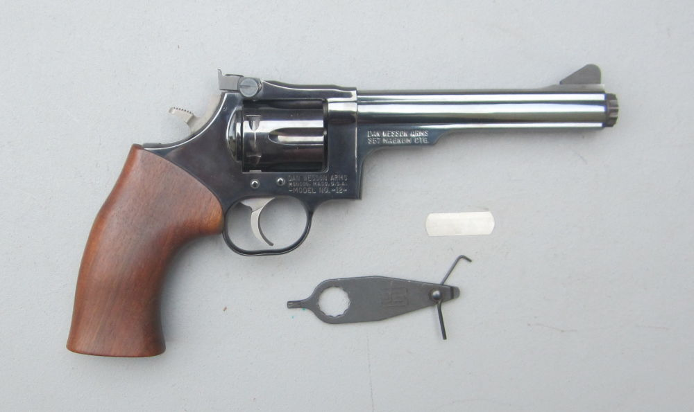 DAN WESSON USA Revolver DAN WESSON USA