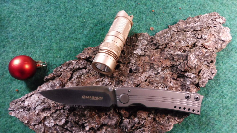Böker Messer Manufaktur Solingen Magnum Messer und LED Flashlight