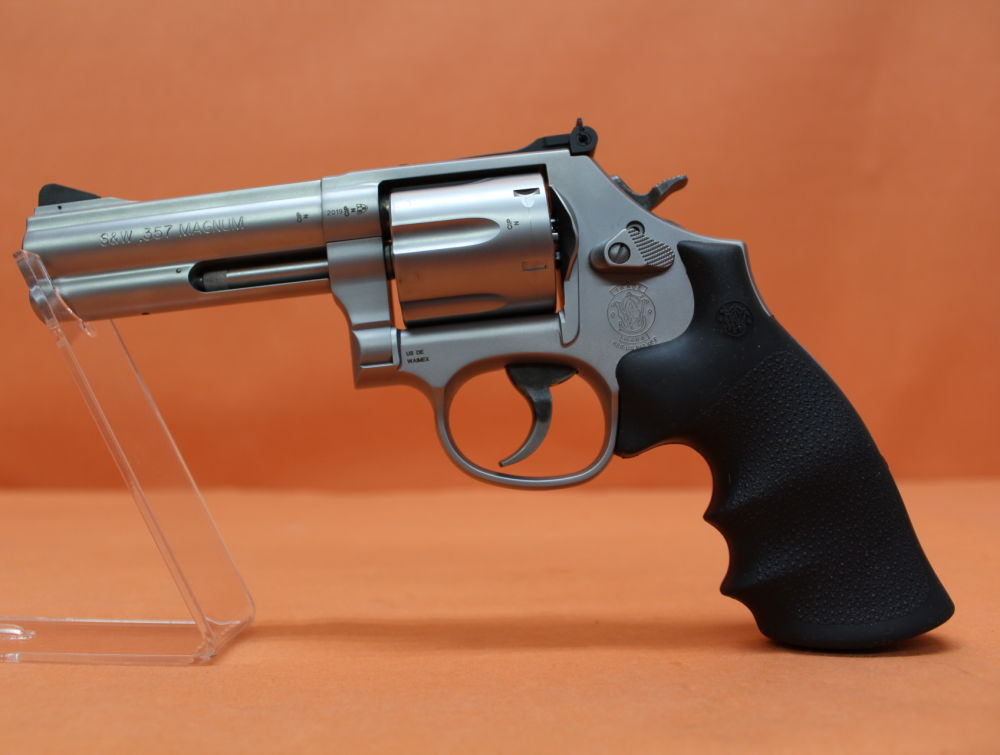"Smith&Wesson, S&W Revolver .357Magnum Smith&Wesson/ S&W686 Security Special Stainless matt, 4"" Lauf/ Mikrometervisier"