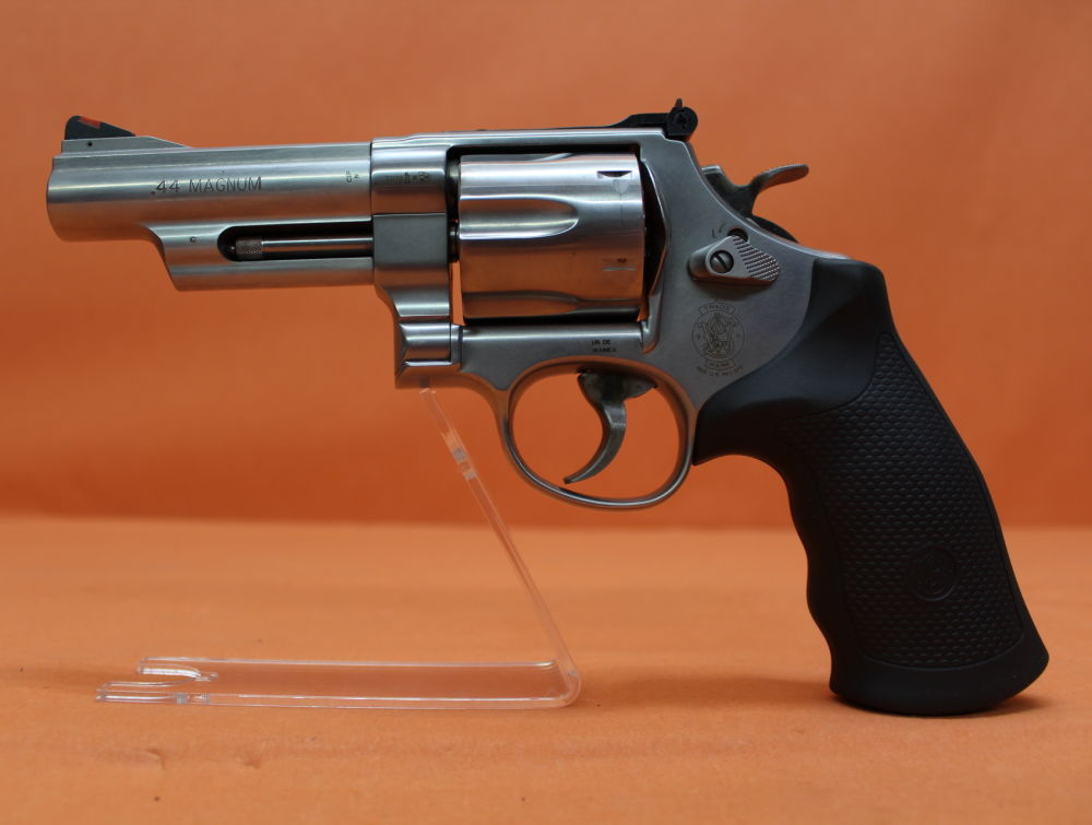 "Smith&Wesson/ S&W Revolver .44RemMagnum Smith&Wesson/ S&W629-6 Stainless, 4"" Lauf/ Mikrometervisier/ Gummigriff"