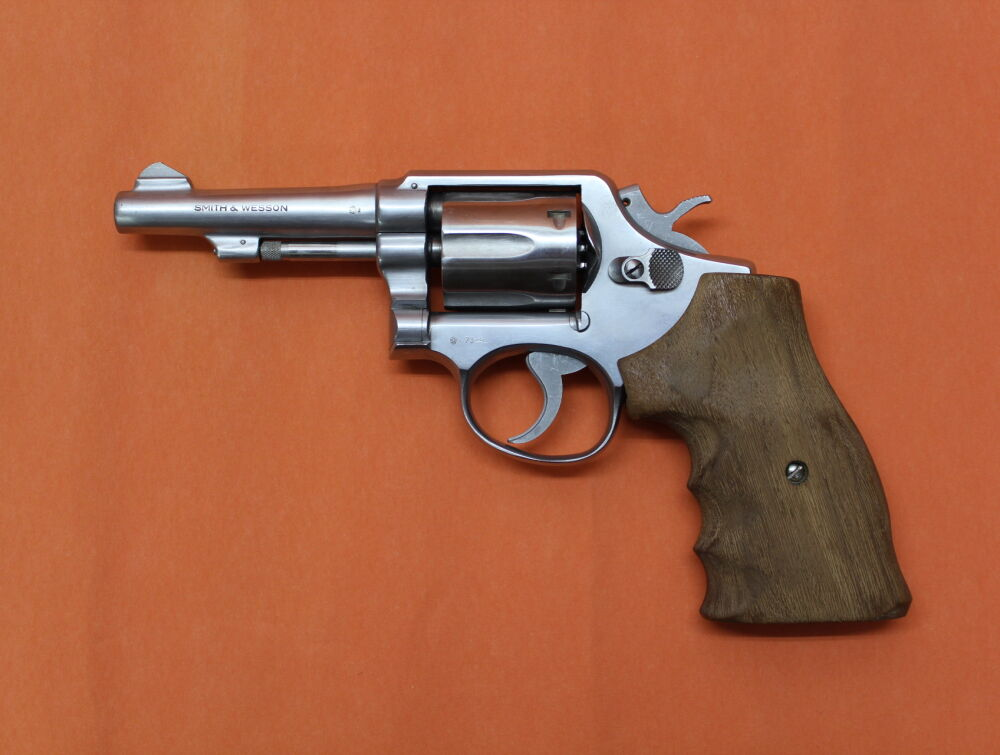 "Smith&Wesson/S&W Revolver .38Special Smith&Wesson/ S&W64 stainless, 4"" Lauf (M&P Kontur) mit Rampenkorn/ Holzgriff"