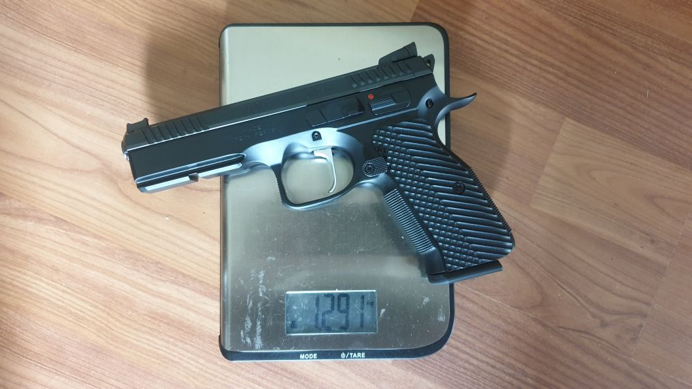 -CZ- Shadow 2 single action only 1291g