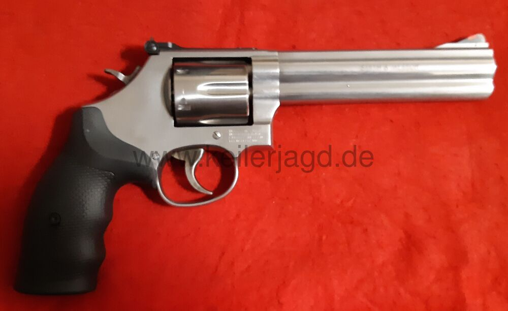 "Smith & Wesson Mod. 686 Kal. 357 Magnum 6"" Lauf mit rotem Rampenkorn"