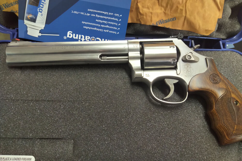 Smith & Wesson 686 Plus 3.5.7 Magnum 7""