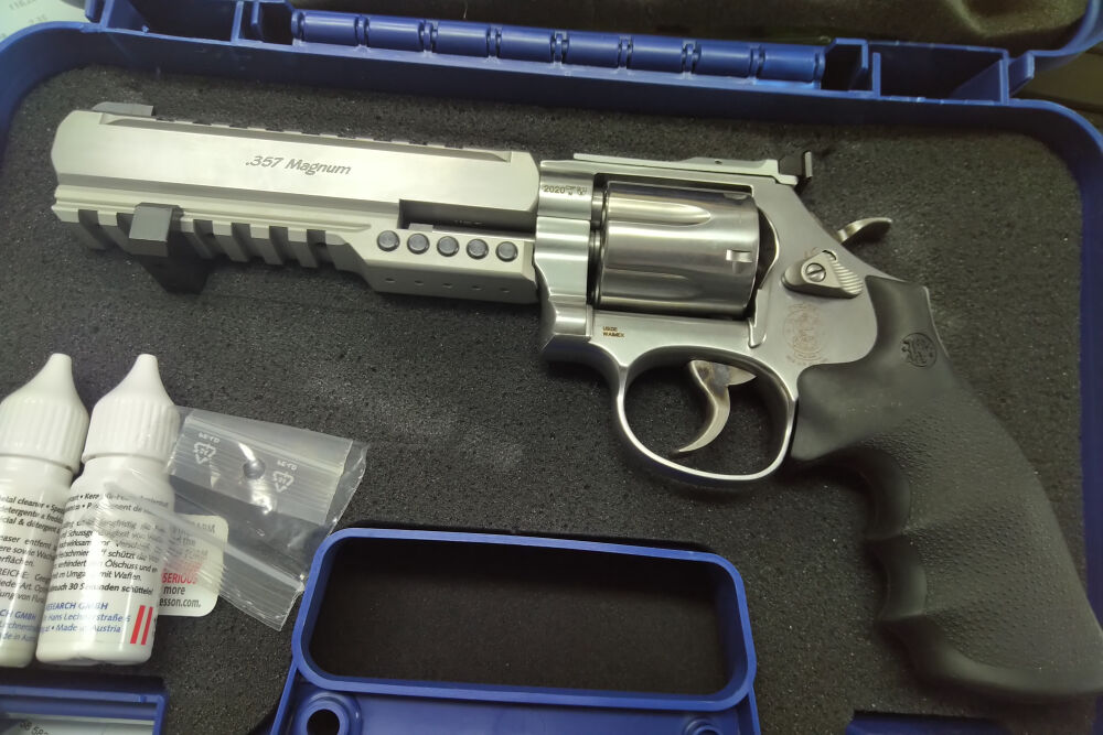 Smith & Wesson 686 Ultimate Champion