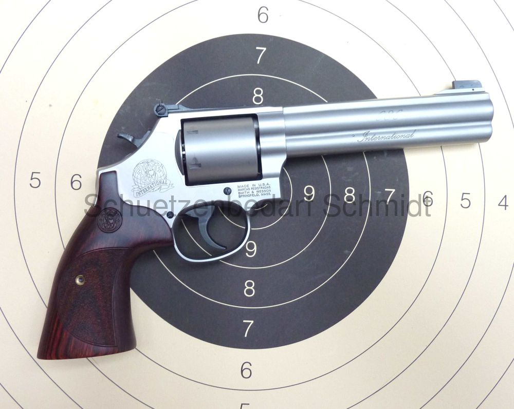 Smith & Wesson 686 International