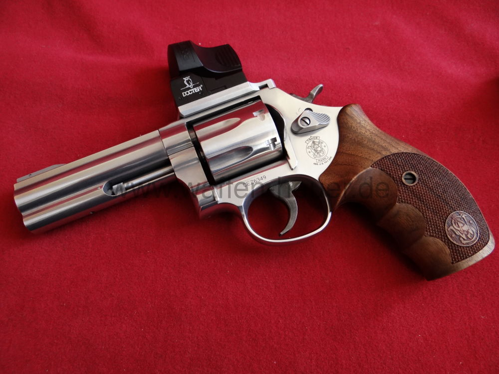 Smith & Wesson 686, Docter Sight