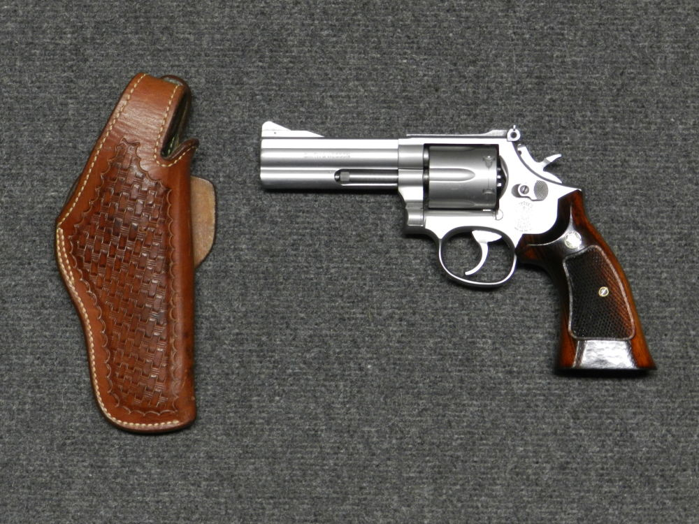 SMITH & WESSON S&W MOD 686 4""