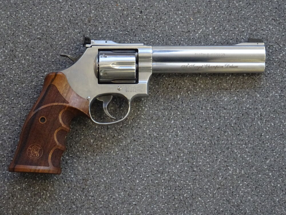 SMITH & WESSON S&W 686 TARGET CHAMPION DELUXE