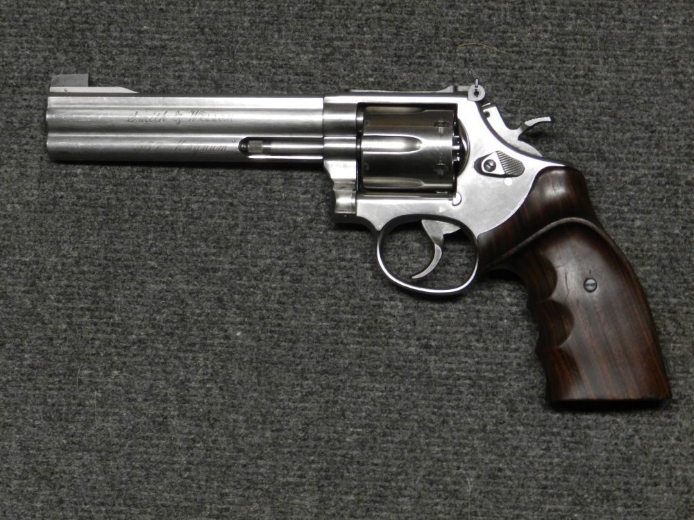 SMITH & WESSON S&W MOD. 686-4 TARGET CHAMPION DL